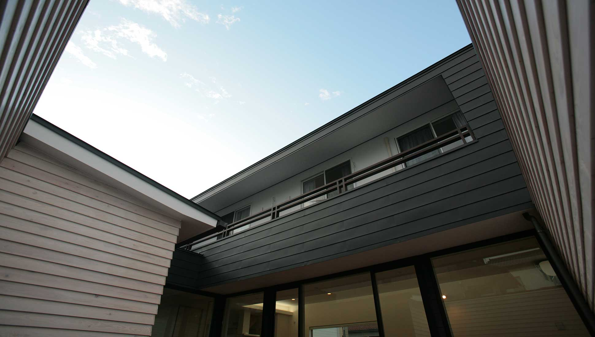 中庭だからできる自分の空を手に入れる:30坪の家を35坪にする中庭のある家_木更津