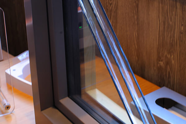 ④トリプルガラスの高断熱サッシ