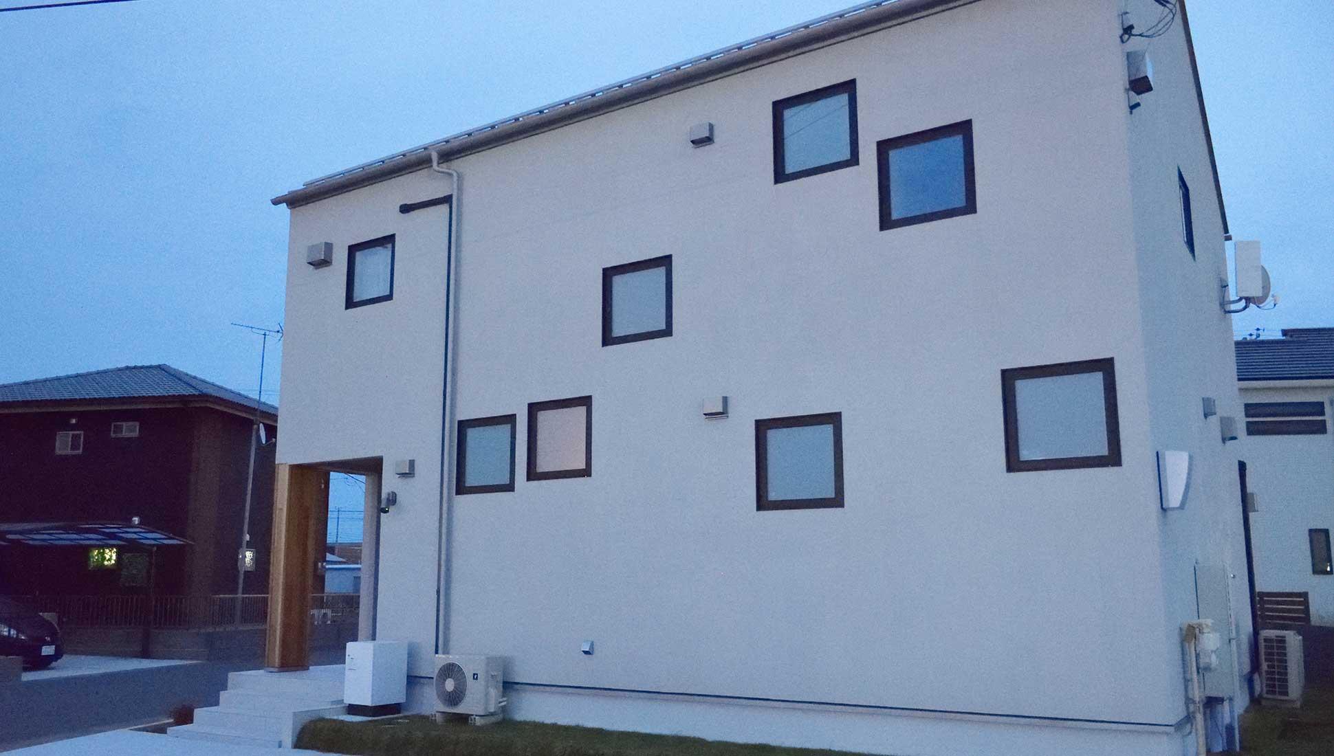間取りがわからなくする窓配置:自由設計で叶える 免震ダブル断熱 木更津市