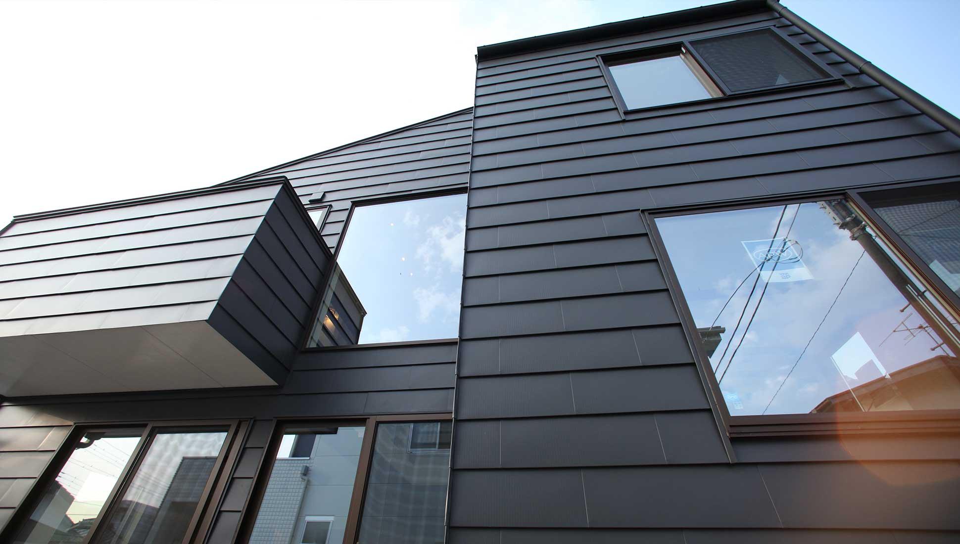 ガルバニウム鋼板の外観②:スキップフロア 間取り 30坪