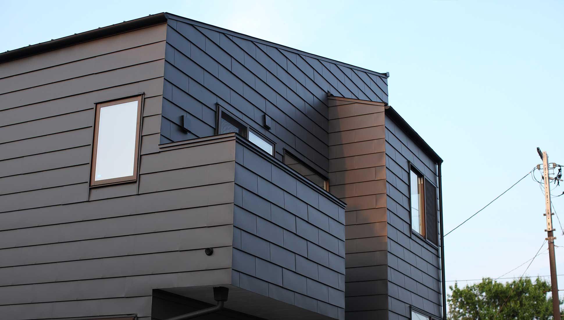 ガルバニウム鋼板の外観:スキップフロア 間取り 30坪