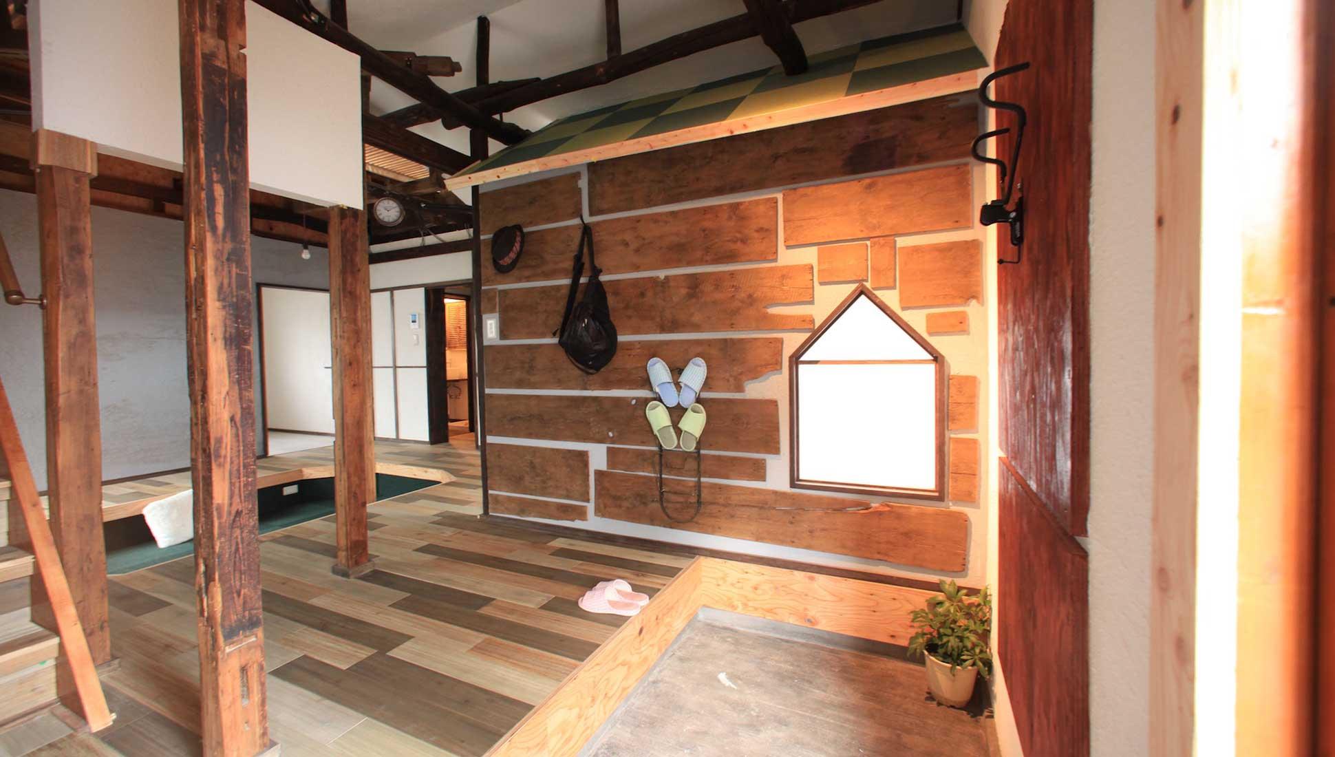 大きな玄関ホール:一軒家のリノベーション