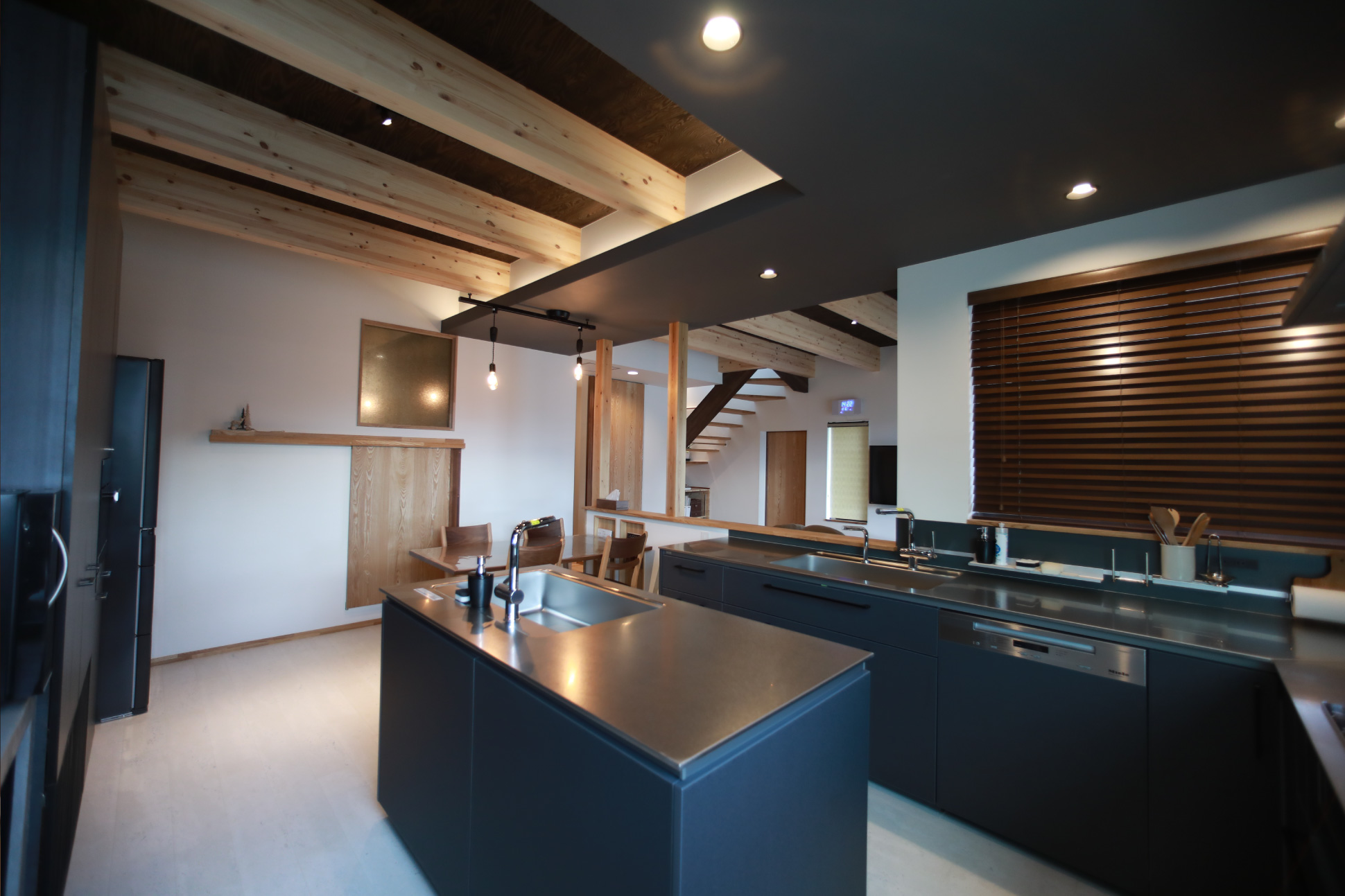 コの字型キッチン:君津市戸建て新築